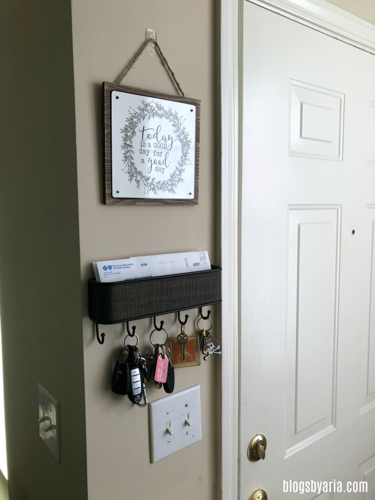 entryway decor updates with wall organizer