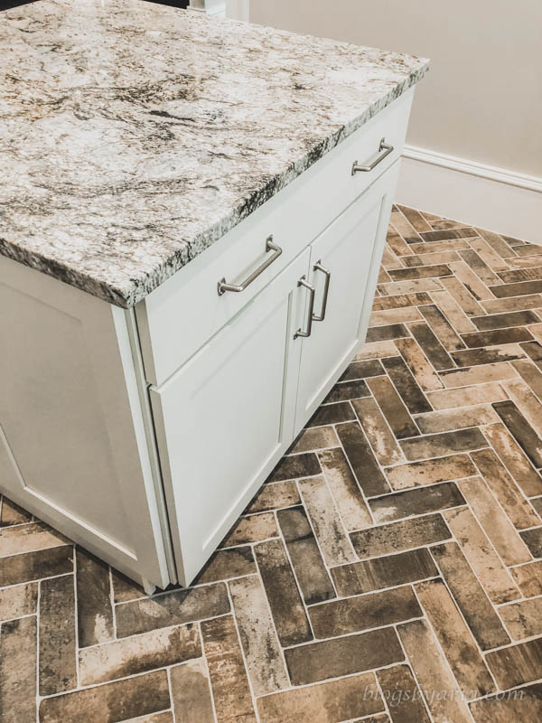 laundry room with island