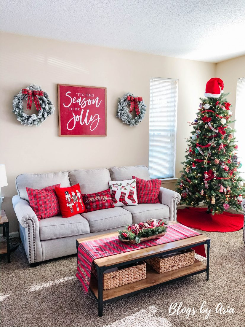 use wreathes to decorate walls for Christmas on a budget