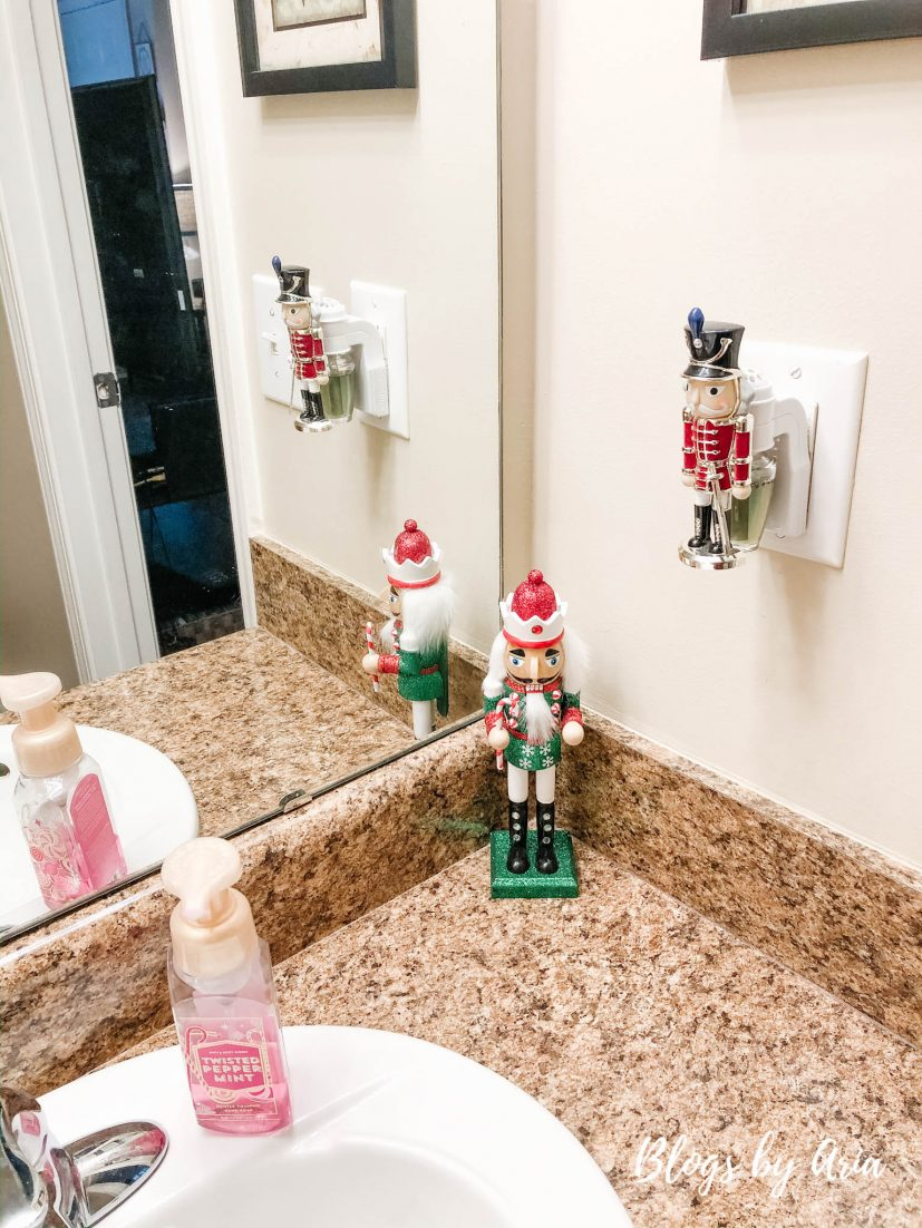 festive holiday bathroom