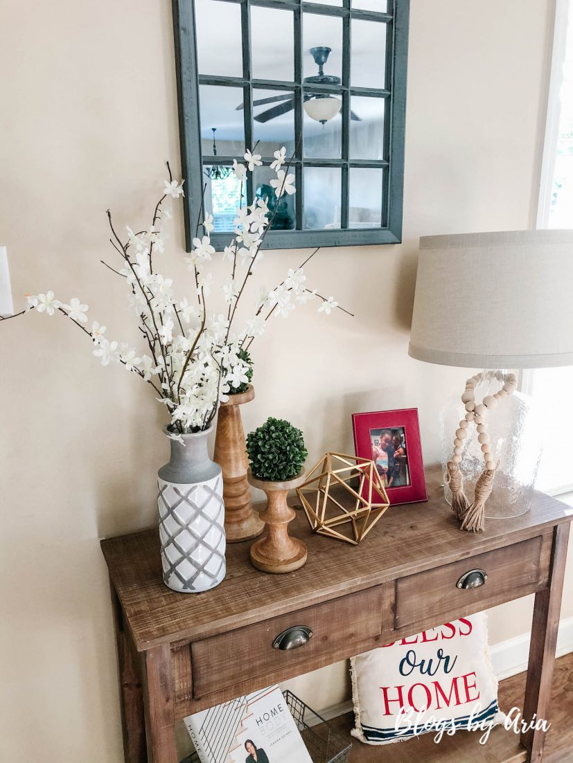 entryway table decorating