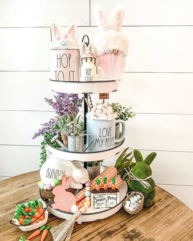 hop to it Easter tiered tray